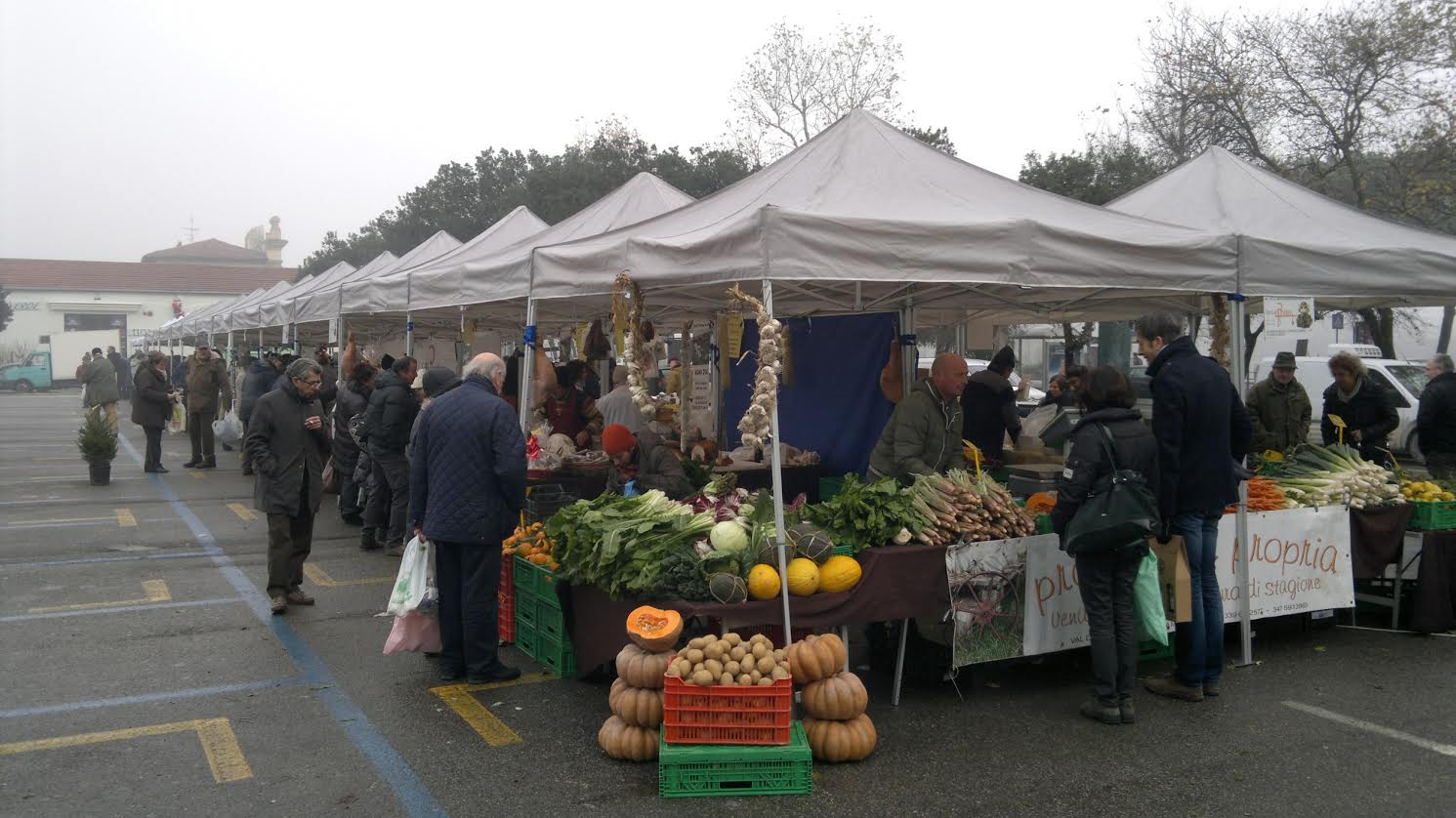 Tutti a tavola al mercato terra di prato con il for Mercato prato