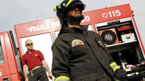 Fuga di gas in via Marini, intervento dei vigili del fuoco: evacuati un ufficio e un'abitazione