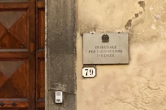 In Italia per accudire i nipotini ma il visto è scaduto: i ...