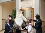 Applausi e commozione per la targa in ricordo di Roberta Betti al Politeama pratese