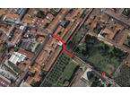 Vicolo del Tignoso potrebbe essere collegato a via Cavour attraverso le mura, ecco come