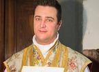 Sacerdote arrestato, le chat Whatsapp con i fedeli per chiedere soldi dopo la chiusura dei conti della parrocchia
