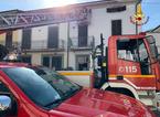 Incendio in un sottotetto a Iolo: i residenti riescono ad uscire in tempo dalla casa
