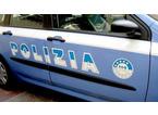 Smontano casetta di legno e cercano di rubarla: arrestati
