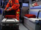 Travolta da un'auto mentre attraversa la strada: ferita una 34enne