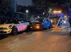 Sbatte contro tre auto in sosta per scappare dalla Municipale: era ubriaco