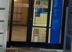 Si accanisce contro il bancomat di Intesa San Paolo a Palazzo degli Alberti
