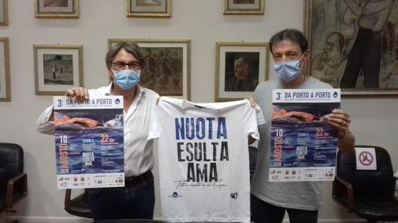 """A nuoto """"Da Porto a Porto"""" per aiutare Att nell'assistenza domiciliare ai malati oncologici"""