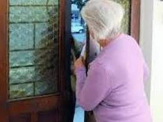 Occhio alle truffe, segnalata una persona che si presenta nelle case come addetto di Publiacqua