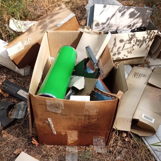 Salita dei Cento Pini, trovate tre discariche: tra i rifiuti anche siringhe e acidi per stampanti