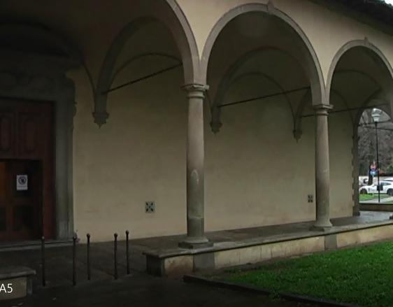 Trovato un posto letto per i senzatetto  che dormono sotto il porticato della Pietà, ma due rifiutano