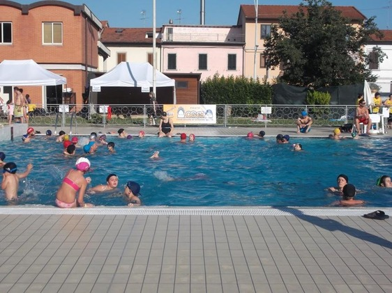 La piscina di via Roma riapre anche alle famiglie e alla balneazione libera