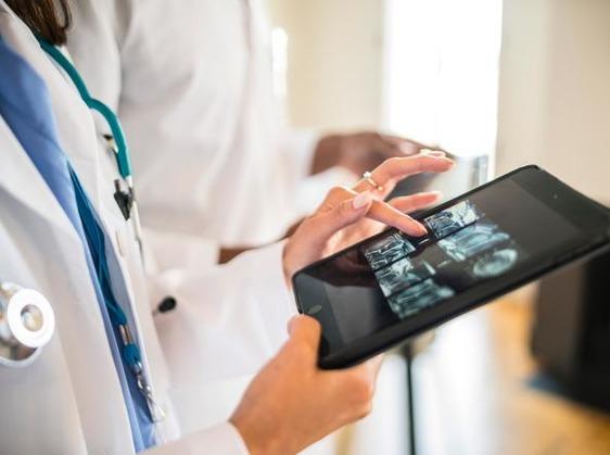 Lotta ai tumori più efficace grazie ad software sviluppato dall'Oncologia di Prato