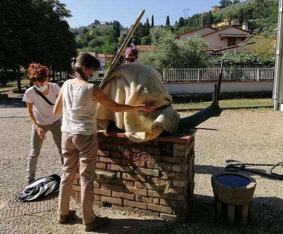 Restaurata la statua della lumaca al parco museo Quinto Martini