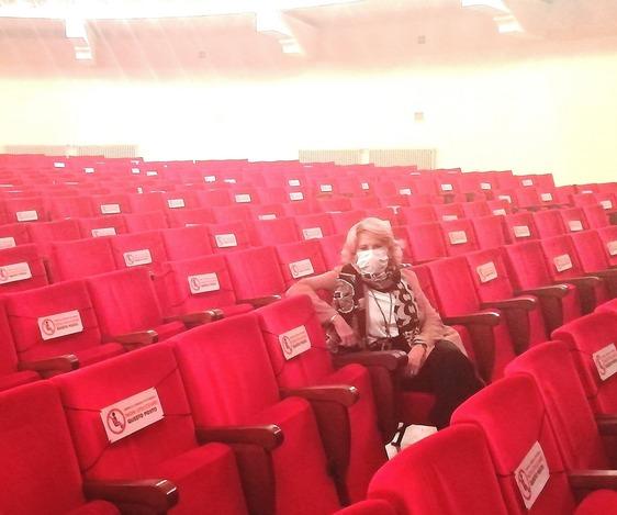 """Rabbia per il sipario calato su teatro e cinema : """"Paghiamo colpe non nostre"""""""