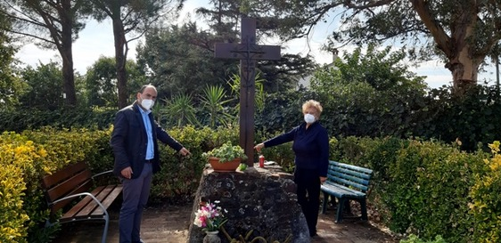Montemurlo, teppisti devastano l'antica croce tra via Messina e via Popolesco