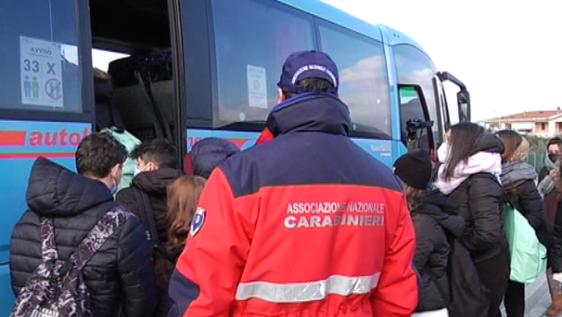"""Steward anti assembramento alle fermate, il M5S: """"Impiegare chi percepisce il reddito di cittadinanza"""""""