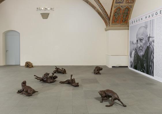 """Prorogata al 10 ottobre la mostra """"L'uomo con il cane. Sculture di Jørgen Haugen Sørensen"""""""