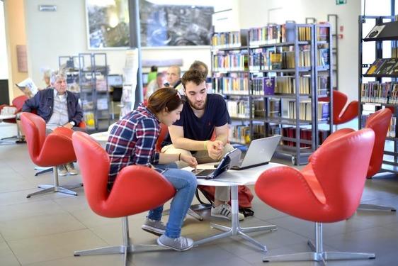 In biblioteca si entra con il green pass, la novità dal 6 agosto
