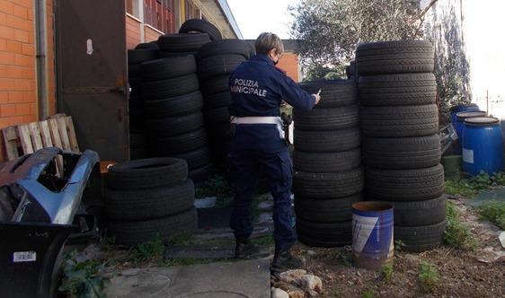Scoperto gommista abusivo a Maliseti: sequestro e denuncia per reati ambientali