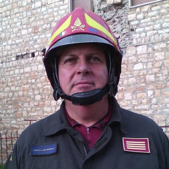 Grave lutto per i vigili del fuoco di Prato: è scomparso il caporeparto Stefano Fiorelli