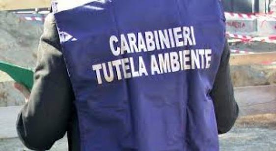 Scarti tessili da Prato ai capannoni abbandonati in Veneto e Campania, chiusa l'inchiesta della dda