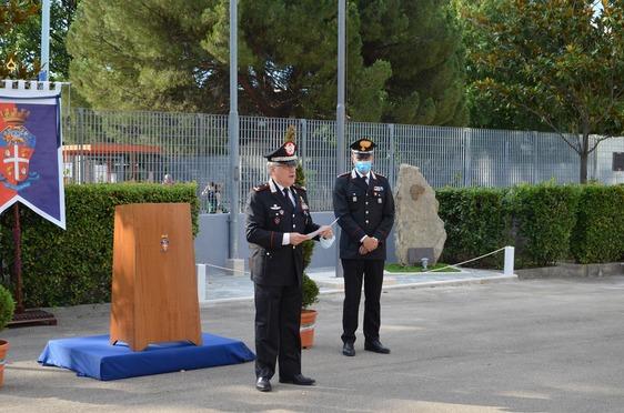 Lotta alla droga, il comandante dei carabinieri della Toscana premia i militari del Nucleo investigativo e della Stazione di Iolo