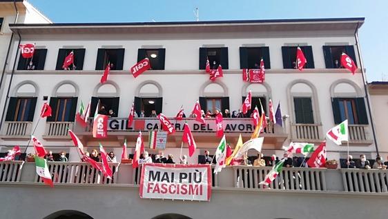 """""""Mai più fascismi"""": solidarietà alla Cgil sulle note di """"Bella Ciao"""""""