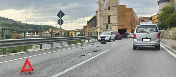 """Incidente a Santa Lucia sulla sr325: due feriti e traffico in tilt. Un residente: """"Non aspettiamo il morto prima di intervenire"""""""