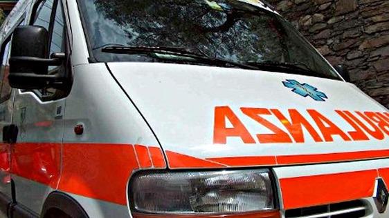 Anziana cade in un fosso, devono intervenire i vigili del fuoco per soccorrerla