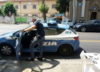 Minorenne si rifugia al Caffè 21 per sfuggire a un molestatore