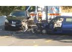 Scontro frontale tra due auto sulla 325, un morto